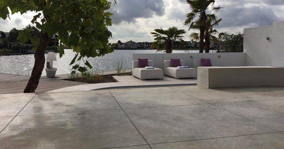 gevlinderde betonterras