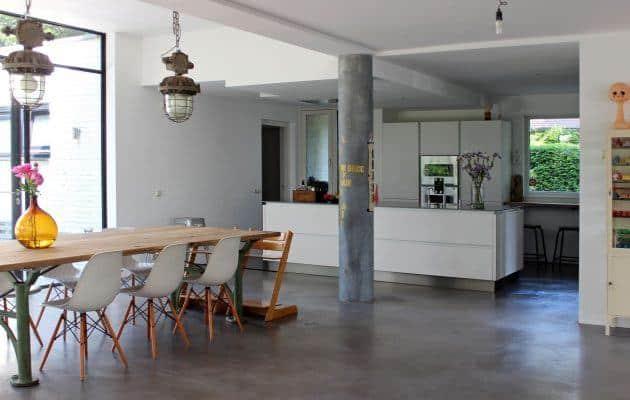 gevlinderde betonvloer in interieur