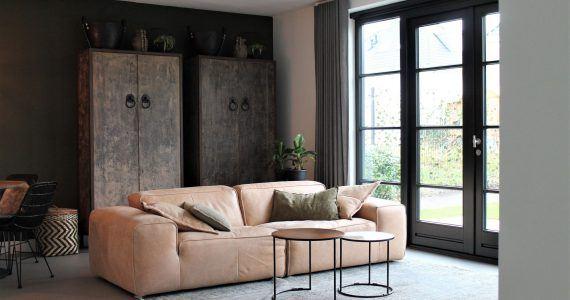 betonciré vloer in de kamer, betonlook vloeren in de woonkamer