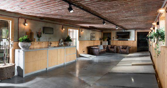 showroom betonvloeren, gekleurde betonvloeren