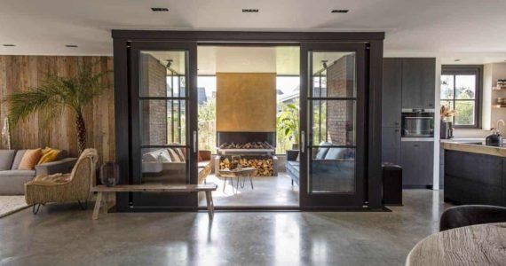 Woonbeton betonvloer in huis woonkamer
