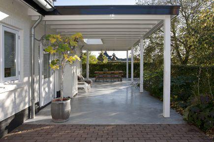 Gevlinderd betonnen terras in Elst