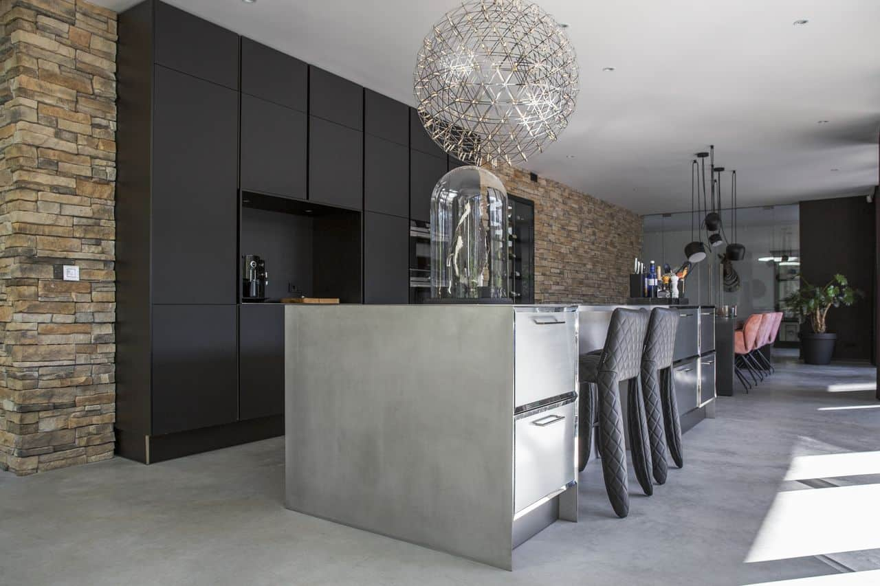 gevlinderde betonvloer impregneren, woonbeton, betondesign, betonnen vloer, gevlinderd woonbeton