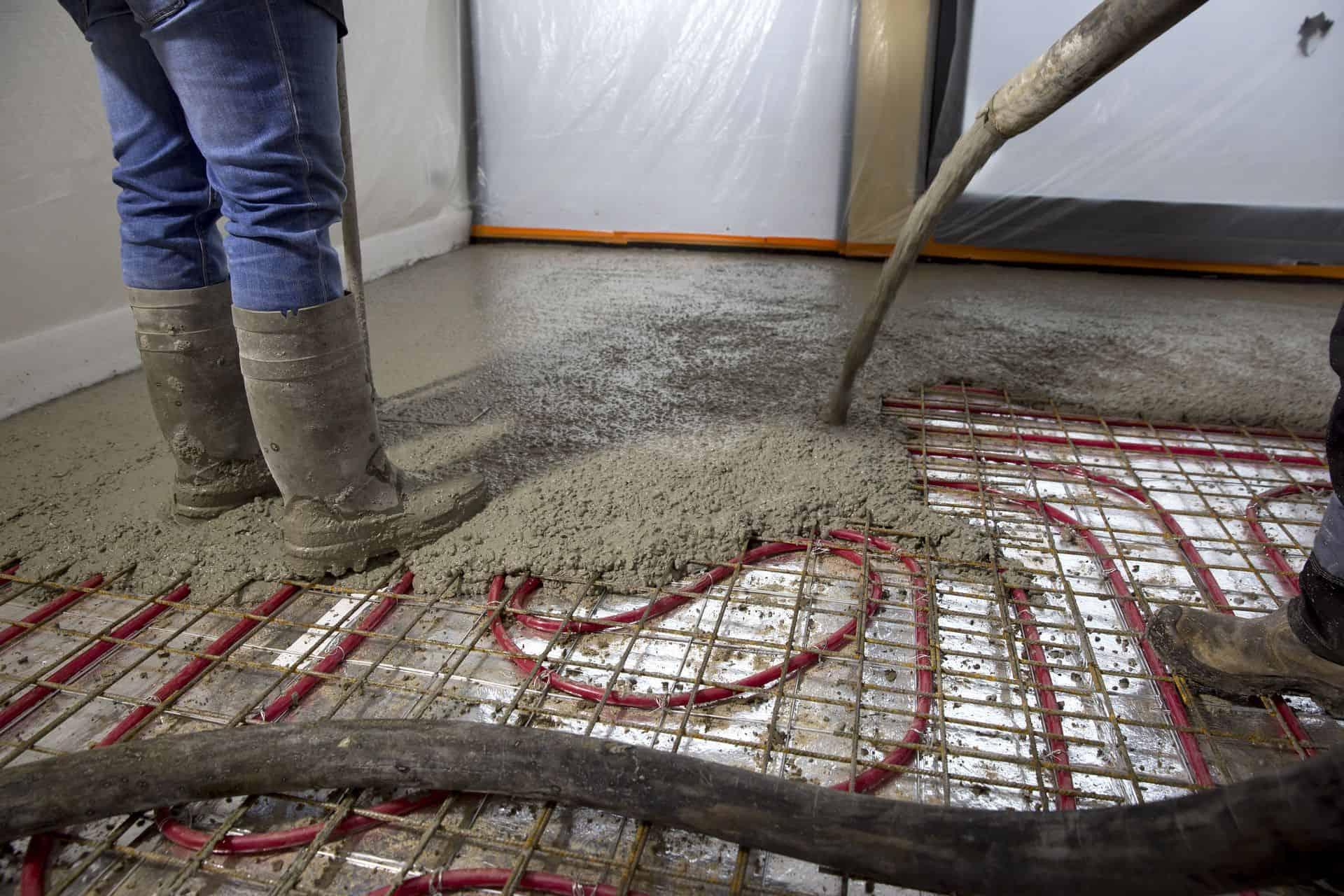 betonvloer storten op zand, woonbeton vloerverwarming, droogtijd betonvloer