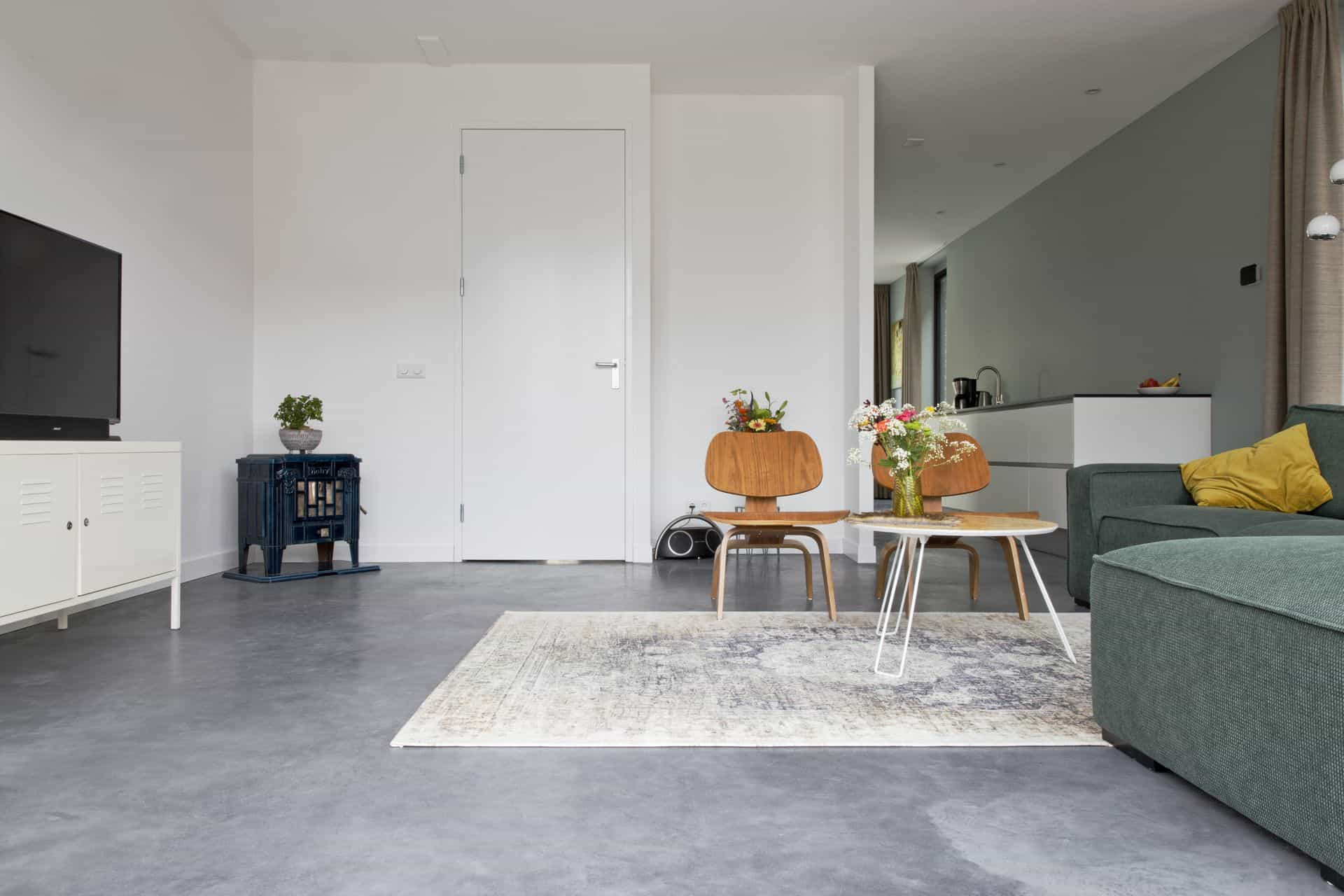 Betonvloer, betonvloer in uw woning, gevlinderde betonvloer