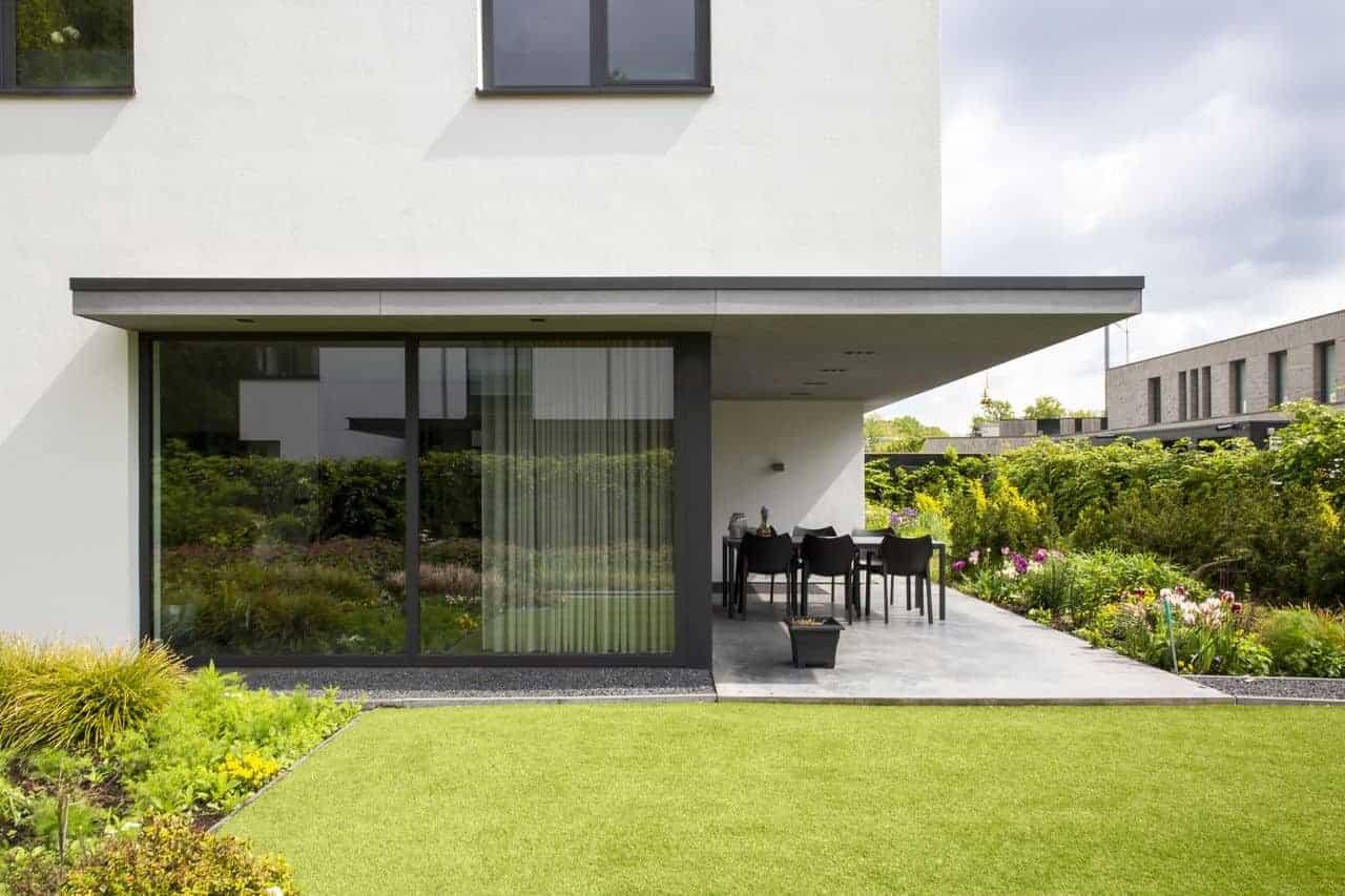 betonnen terrasvloeren, beton terras, Gevlinderd betonnen terras in Eindhoven