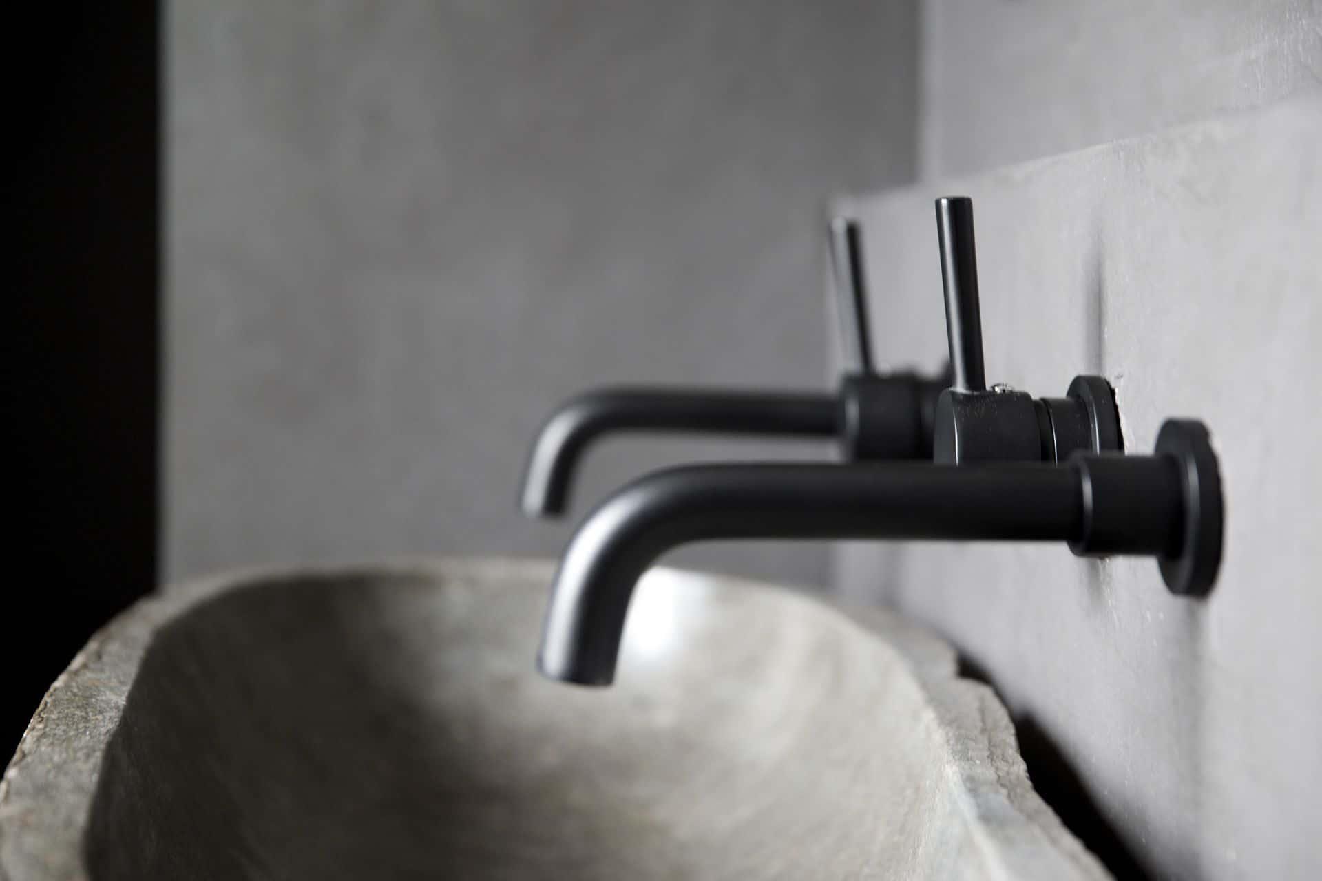 Betonlook wanden, beton cire wanden badkamer