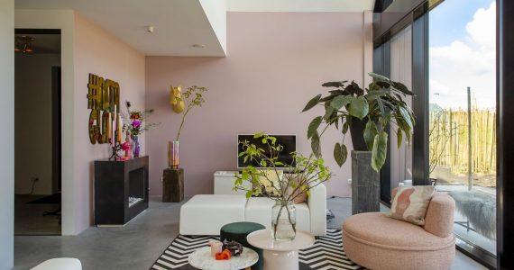 Eclectische woonkamer, eclectisch interieur, eclectische woonstijl, betonvloer