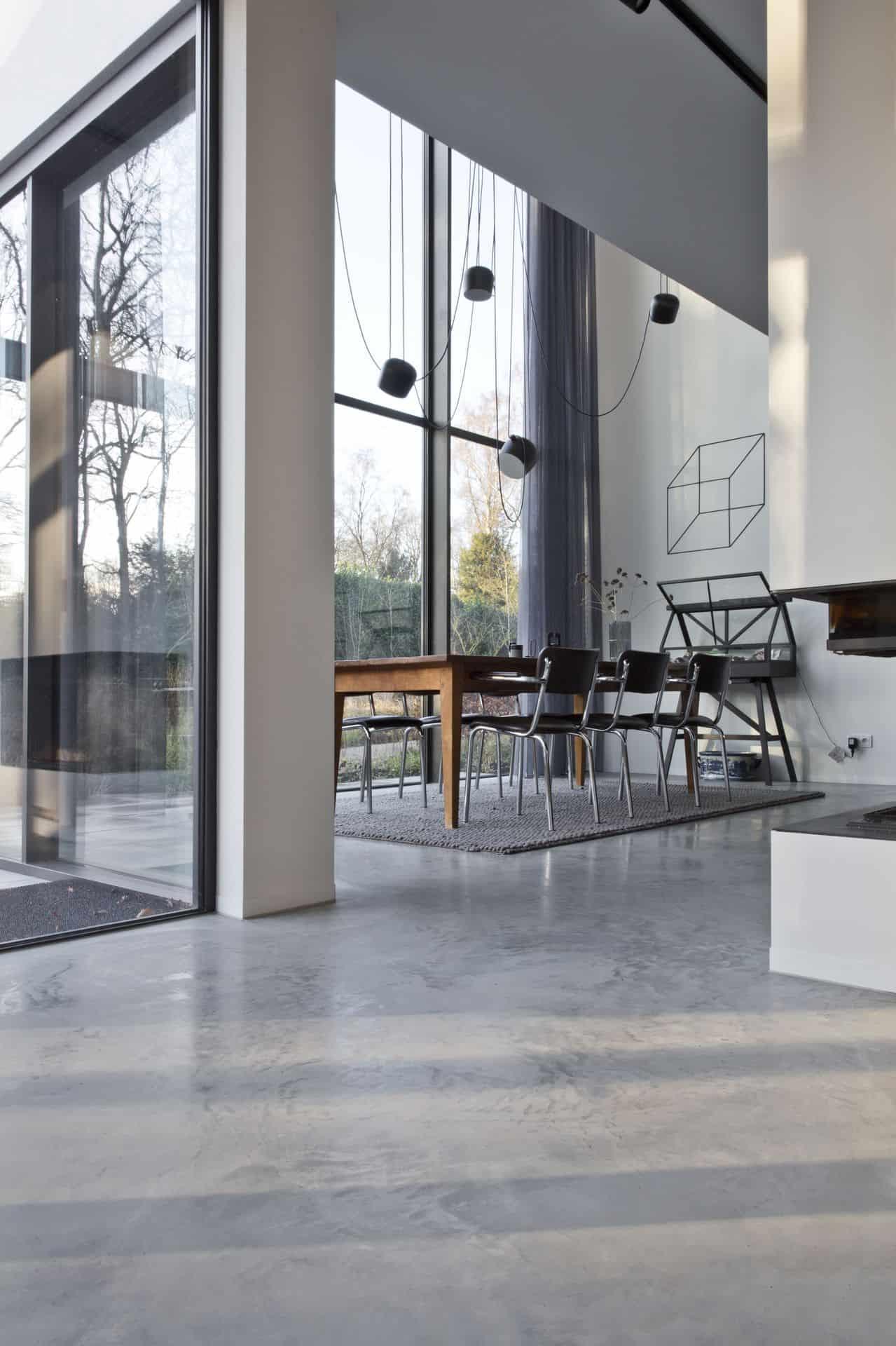 gevlinderde betonvloer met vloerisolatievloerverwarming in beton