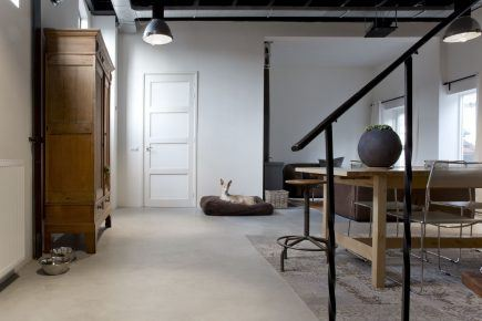 Gevlinderde woonbeton vloer in Tiel