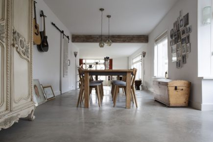 Gevlinderde woonbeton vloer in Leiden