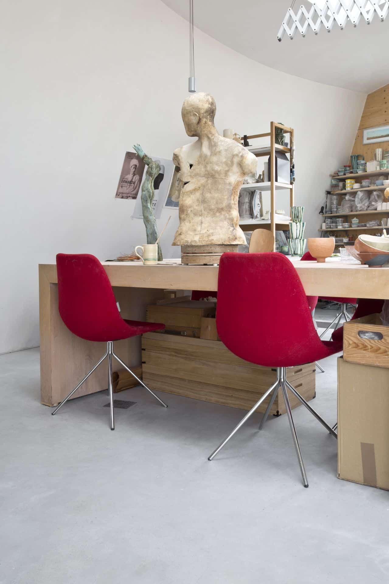 betonnen vloer atelier, gevlinderd beton atelier
