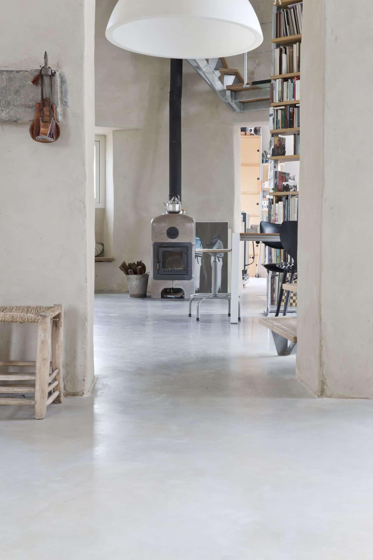 gevlinderde woonbetonvloer, woonbeton, gevlinderd beton, monolitisch afgewerkte betonvloer