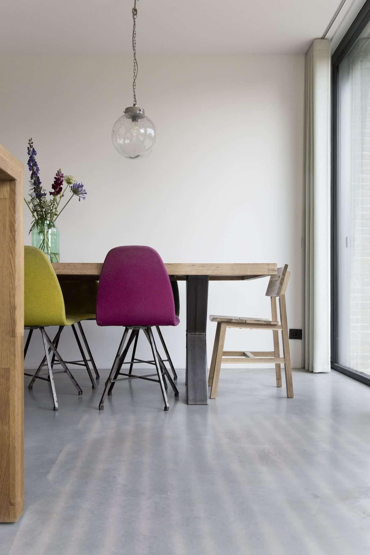 betonnen vloer eetkamer, gevlinderd beton