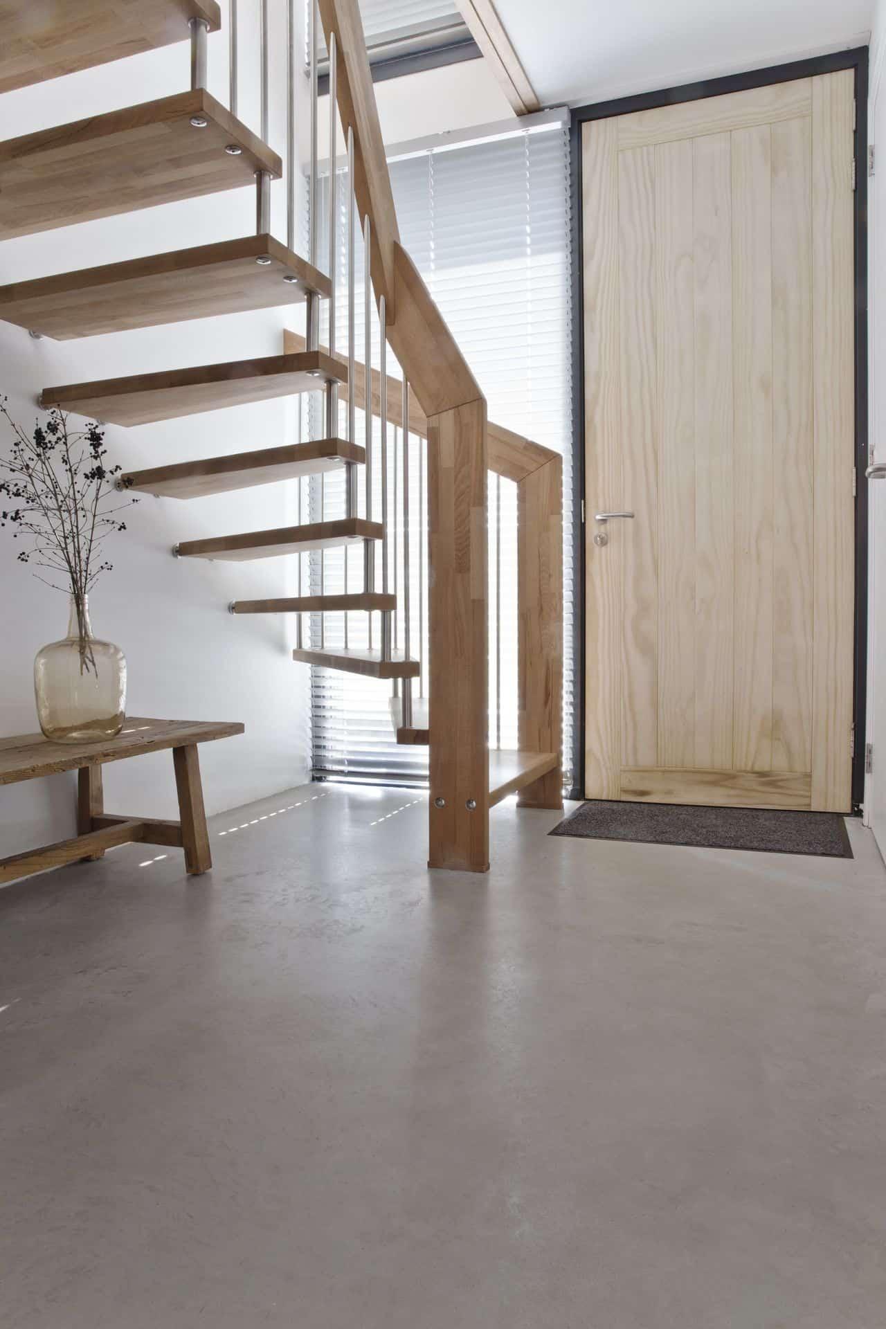 betonvloer hal, Woonbeton vloer entree