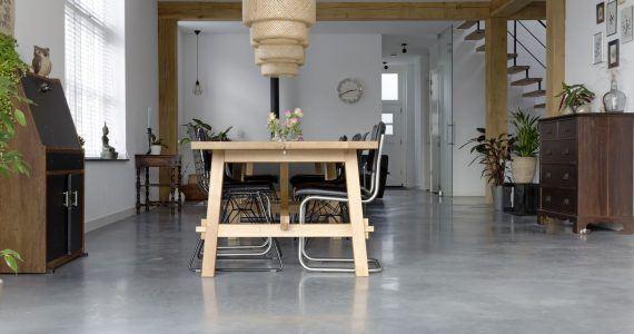 Foto gevlinderde woonbeton vloer Willem Designvloeren